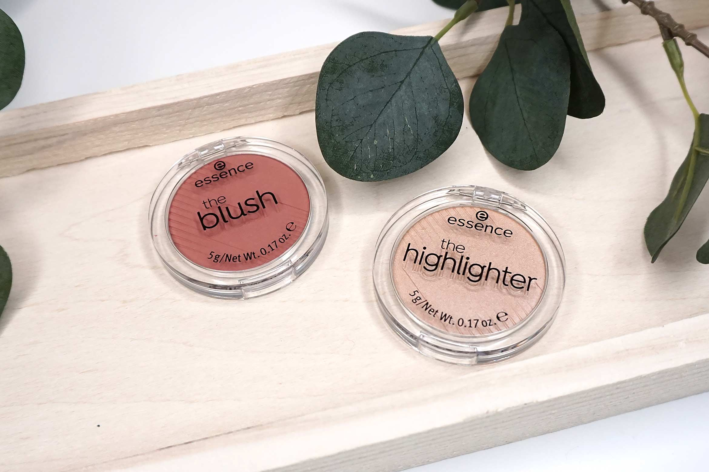 essence-the-blush-review-essence-the-highlighter-review-1