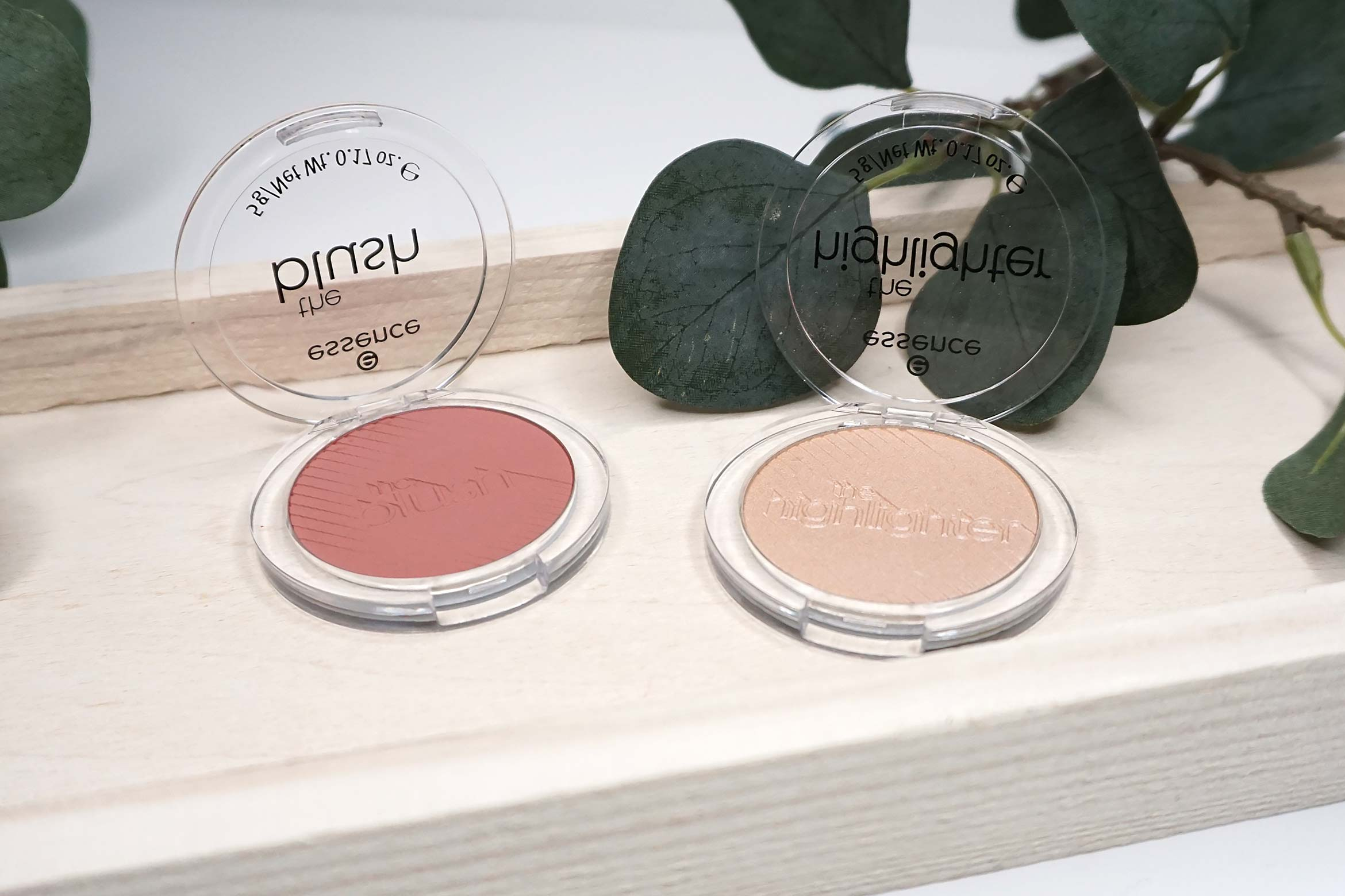 essence-the-blush-review-essence-the-highlighter-review-2