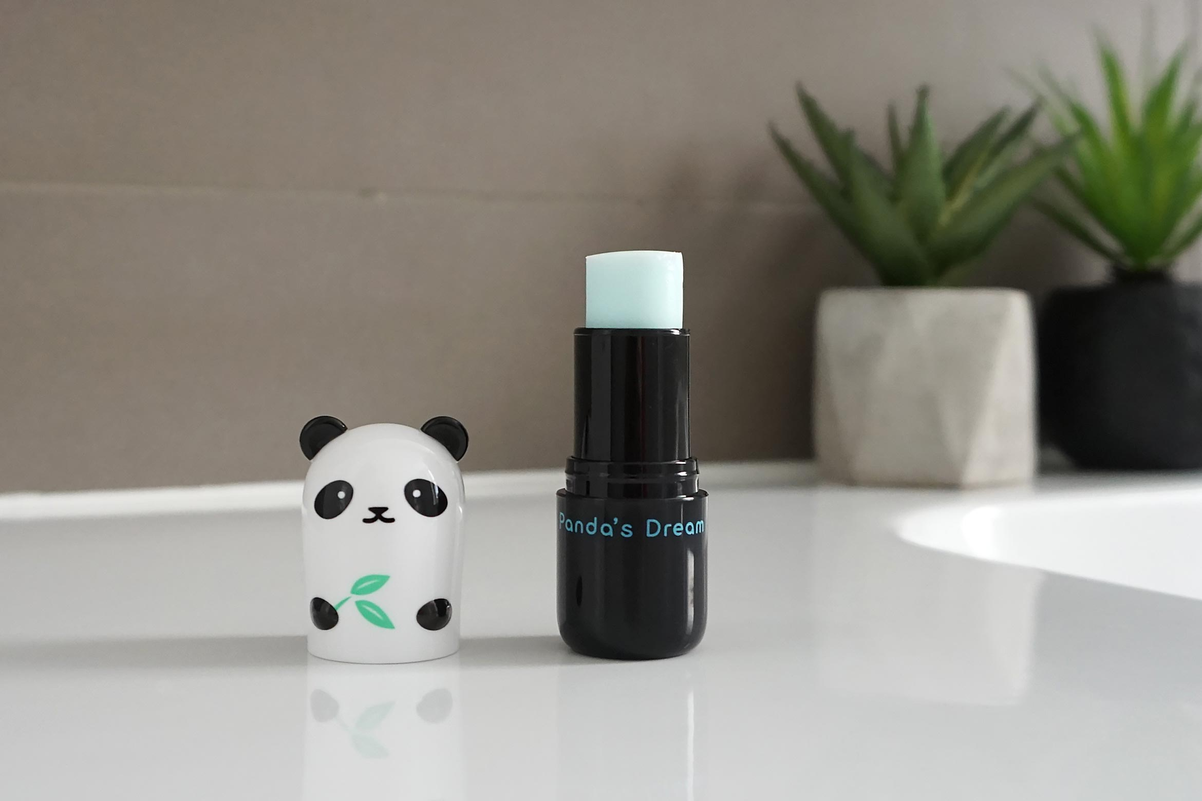 tonymoly-panda's-dream-so-cool-eye-stick-review-1