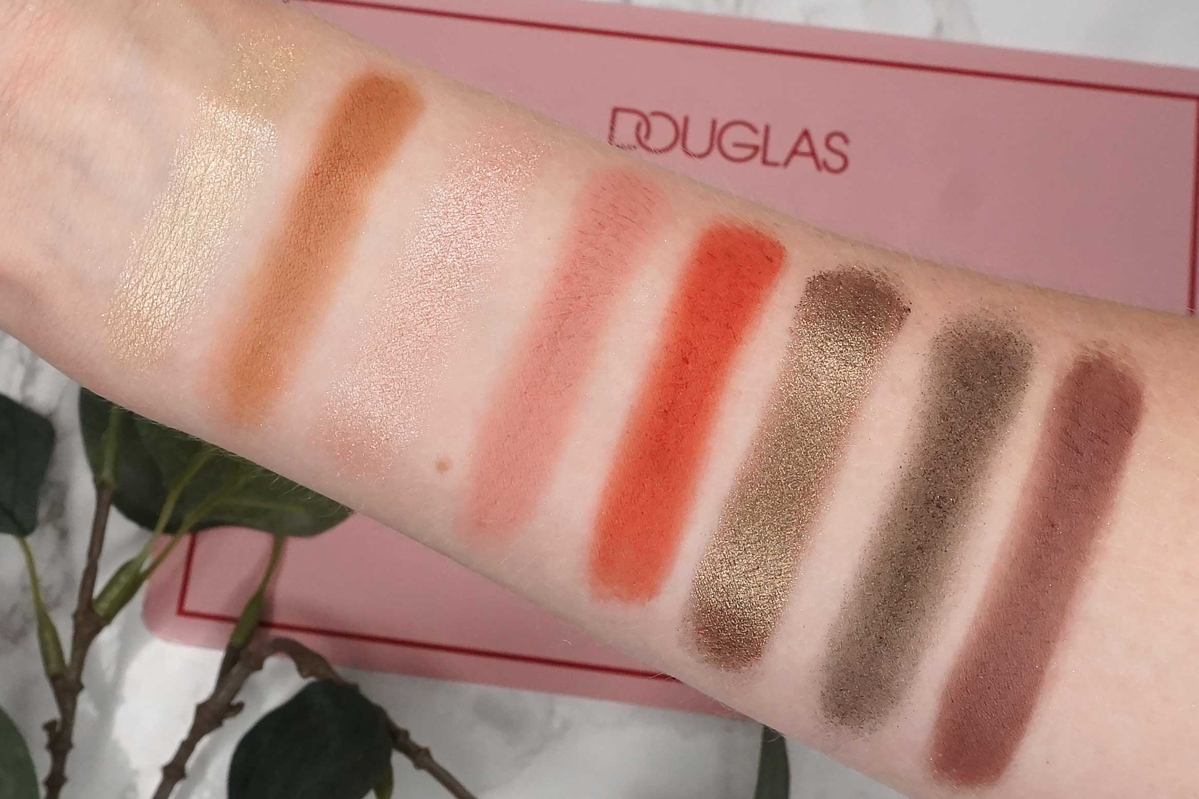 douglas-deluxe-palette-swatch-review-4