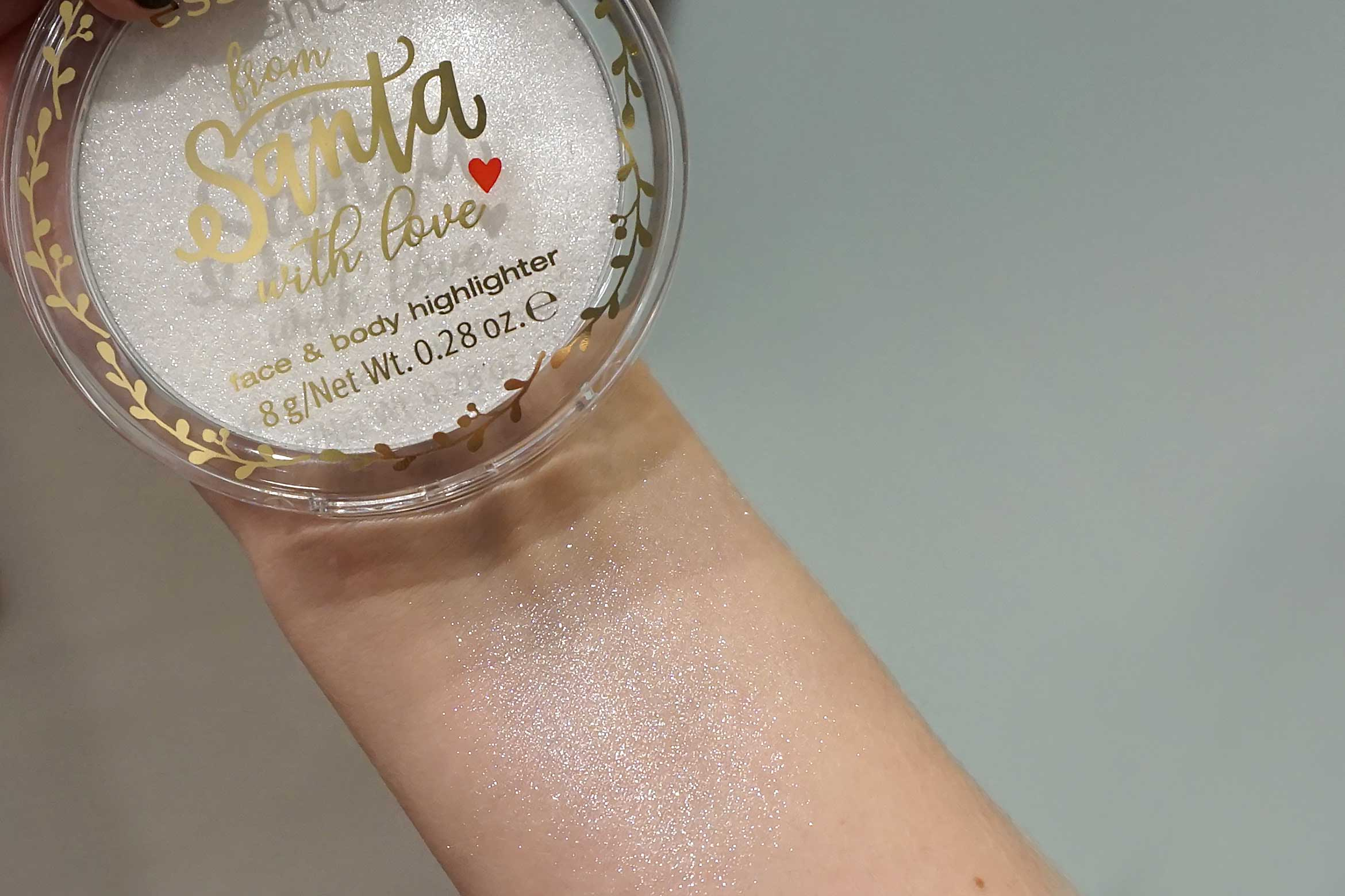 essence-from-santa-with-love-face-body-highlighter-review-2