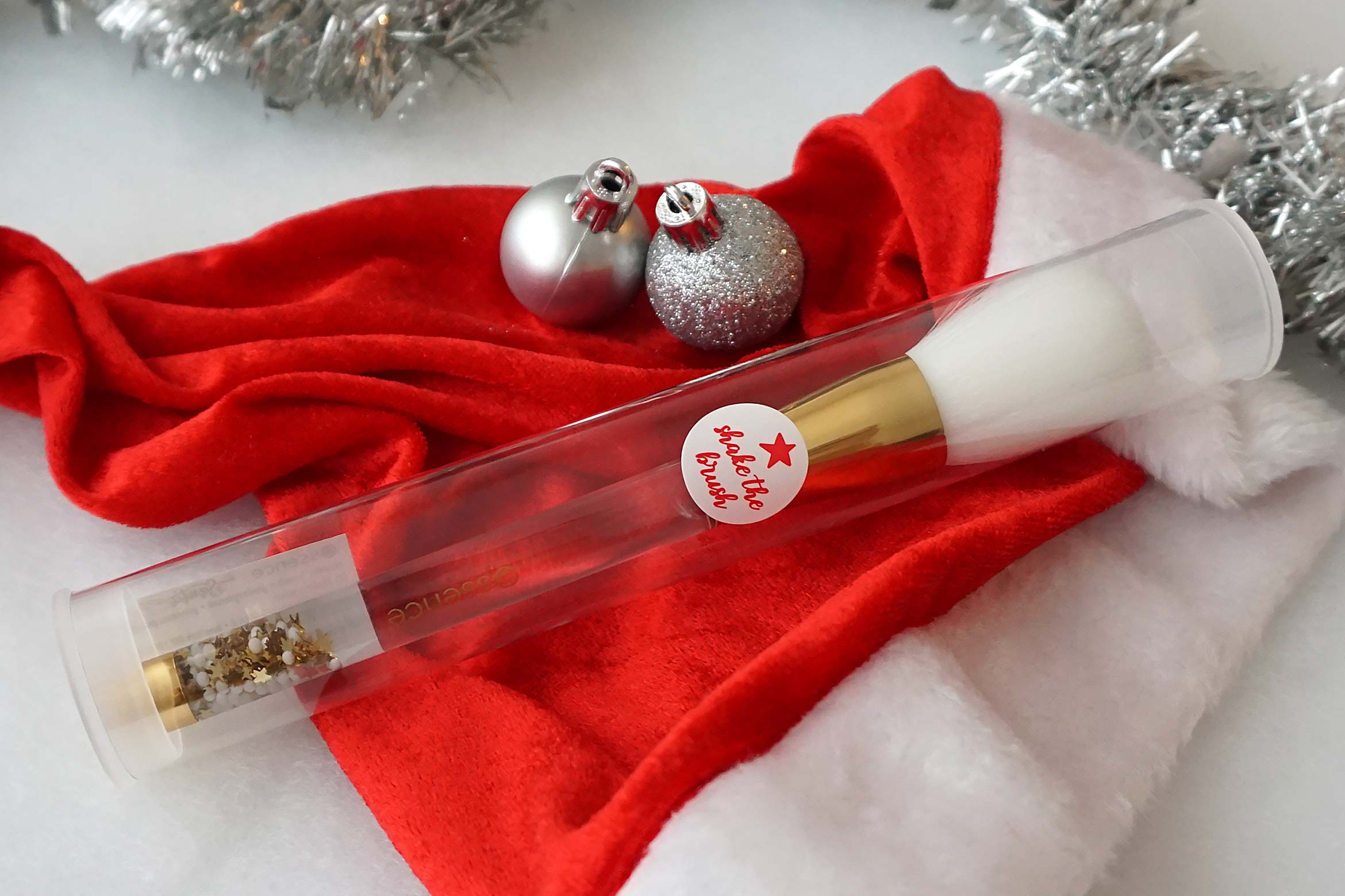 essence-from-santa-with-love-powder-brush-review-1