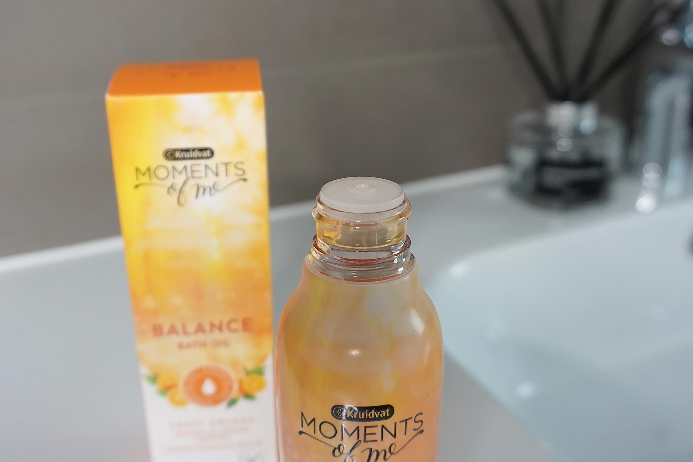 kruidvat-moments-of-me-balance-bath-oil-review-1