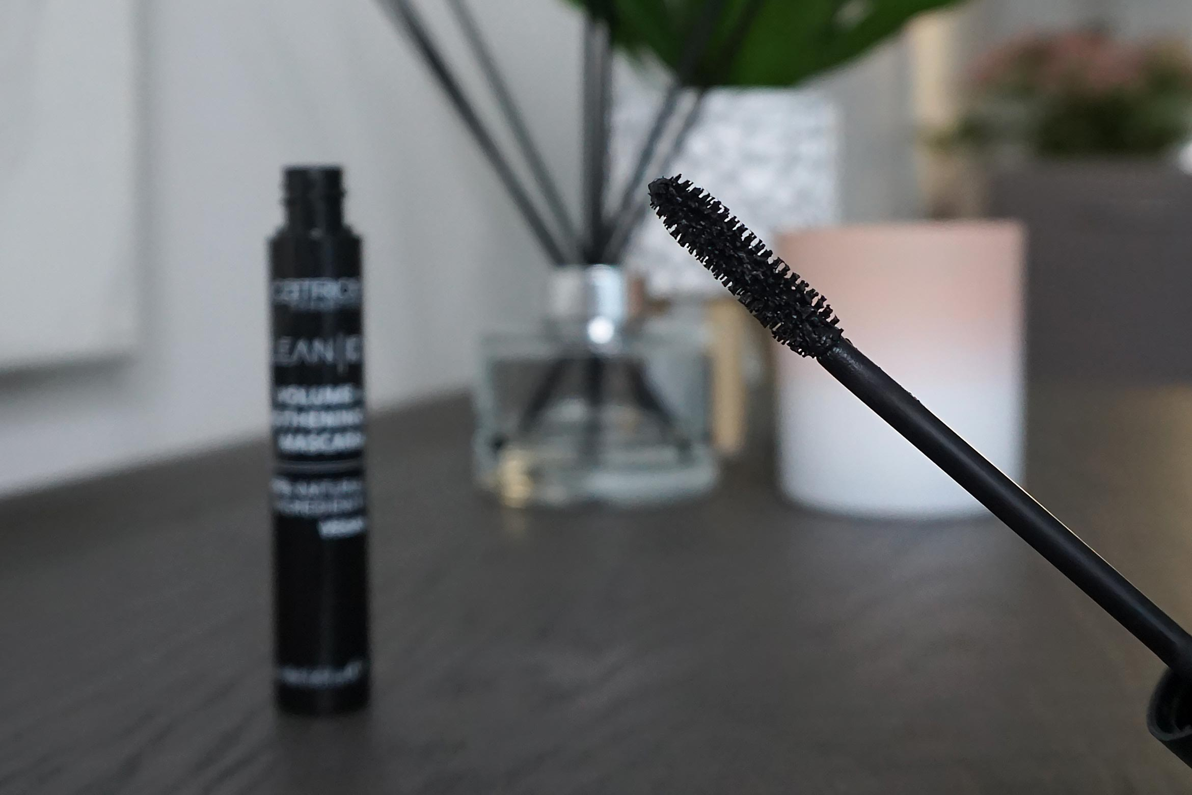 catrice-clean-id-volume-lengthening-mascara-review-7
