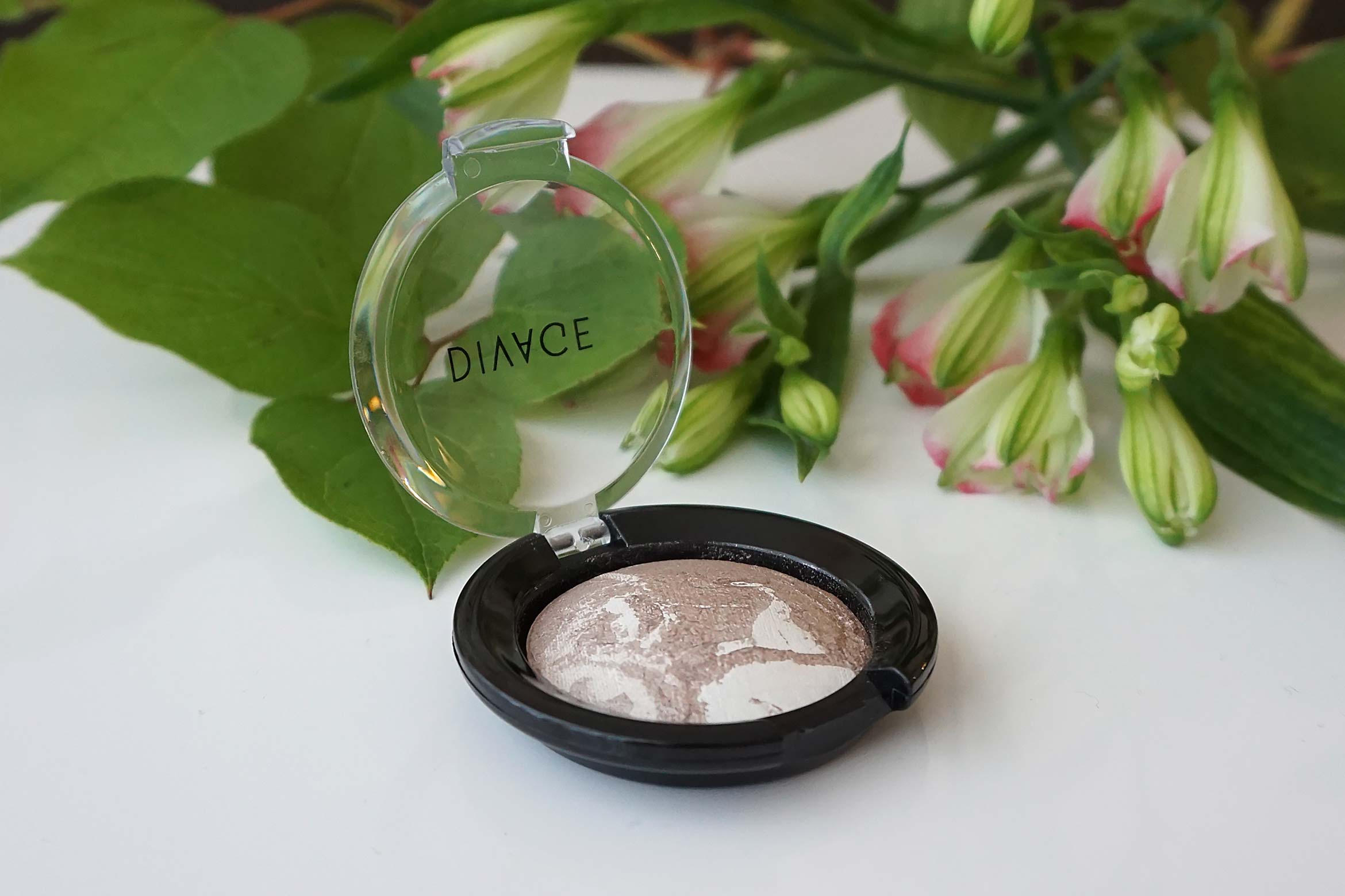 divage-colour-sphere-baked-eyeshadow-review
