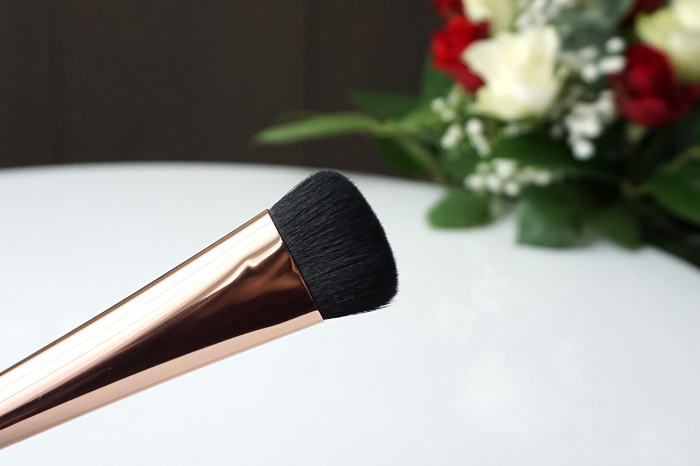 essence-glow-my-mind-highlighter-brush-review-1