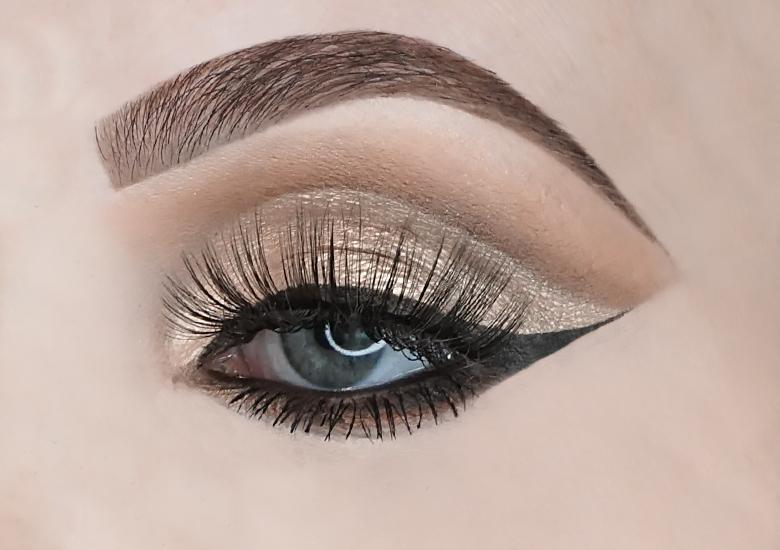 essence crystal dreams eyeshadow palette review look