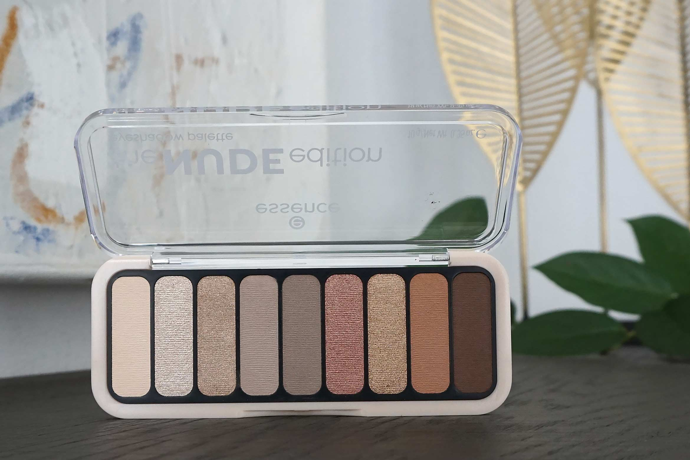 essence the nude edition eyeshadow palette review-2