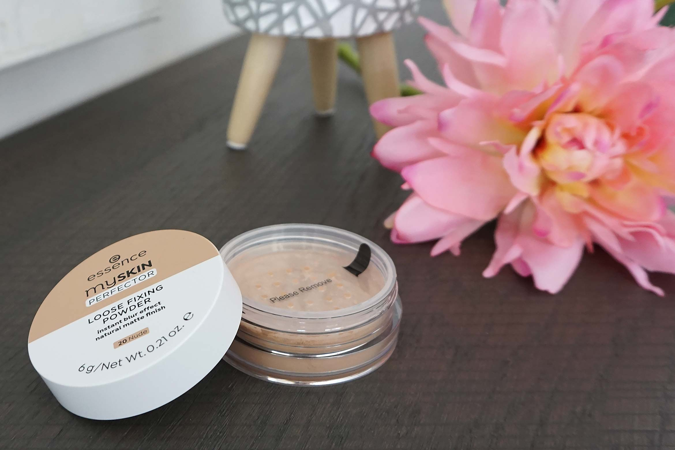 essence my skin perfector loose fixing powder review-1