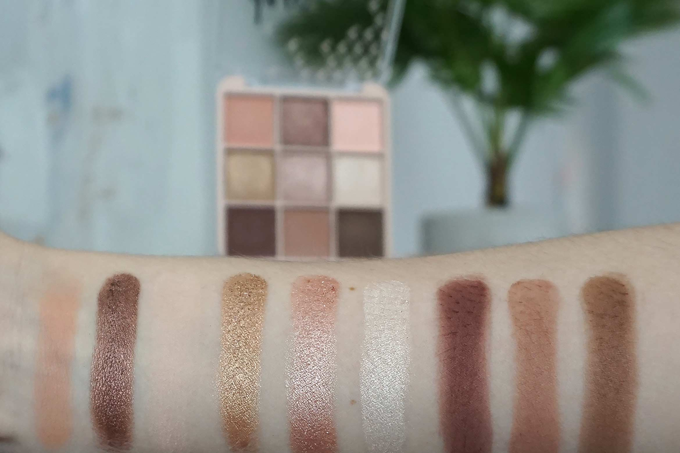 kruidvat days like this nude eye shadow palette swatch review
