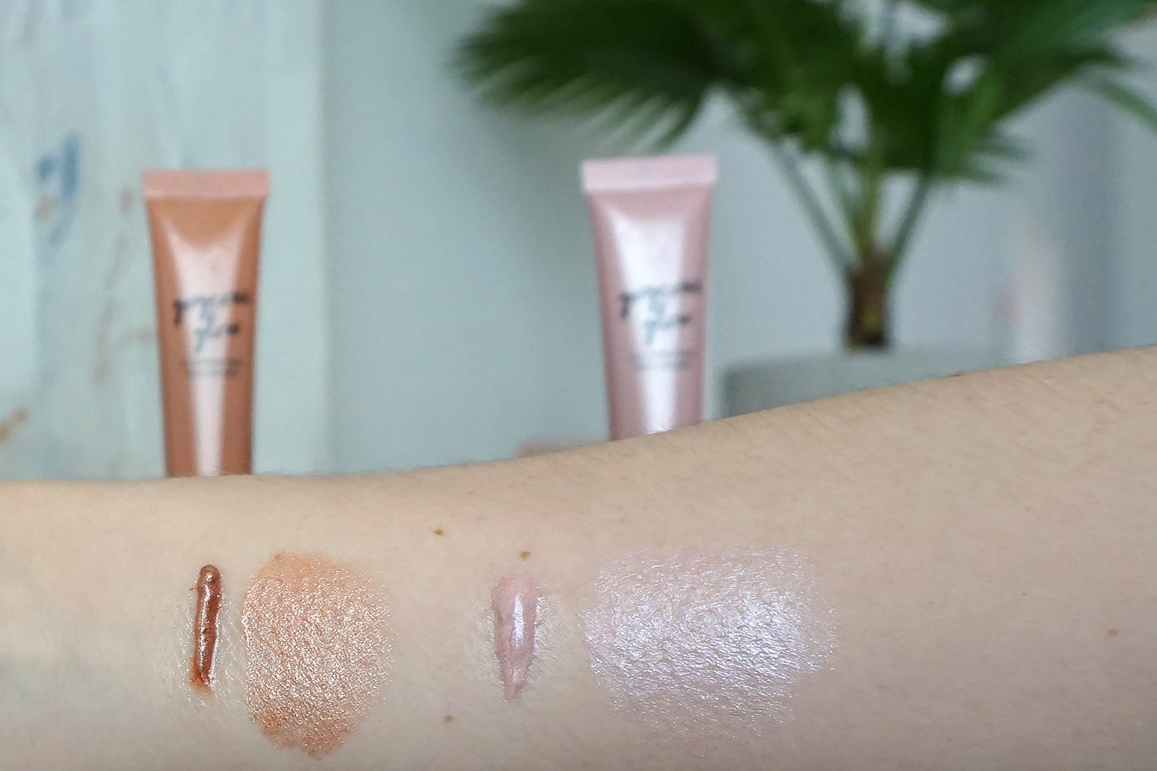 kruidvat gorgeous glow illuminating face drops swatch review