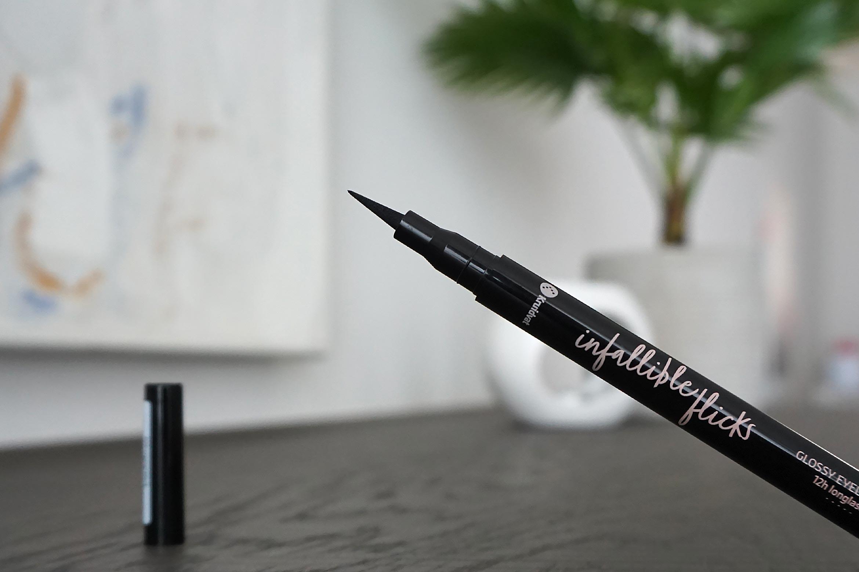kruidvat infallible flicks glossy eyeliner pen review-1