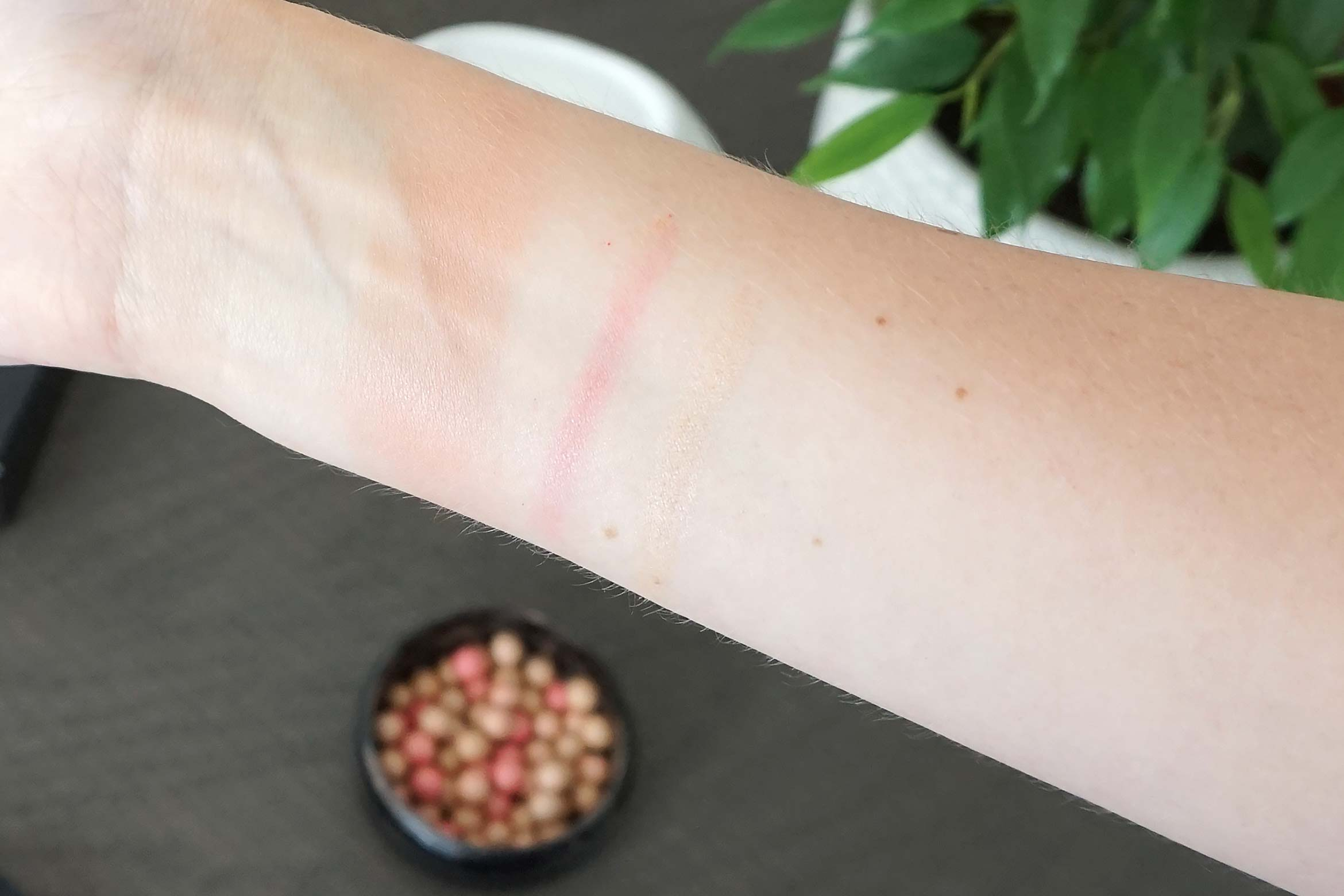 oriflame bronzing pearls swatch luminous peach review