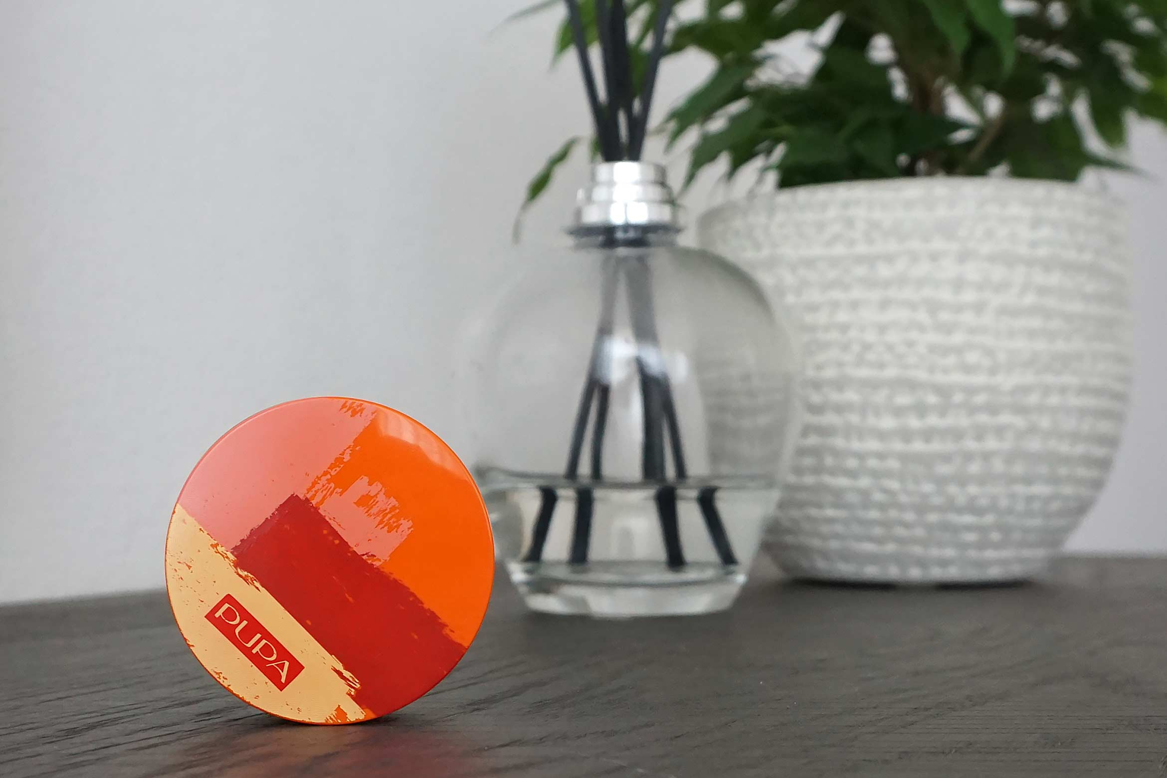 pupa summer escape metal shadow review-1