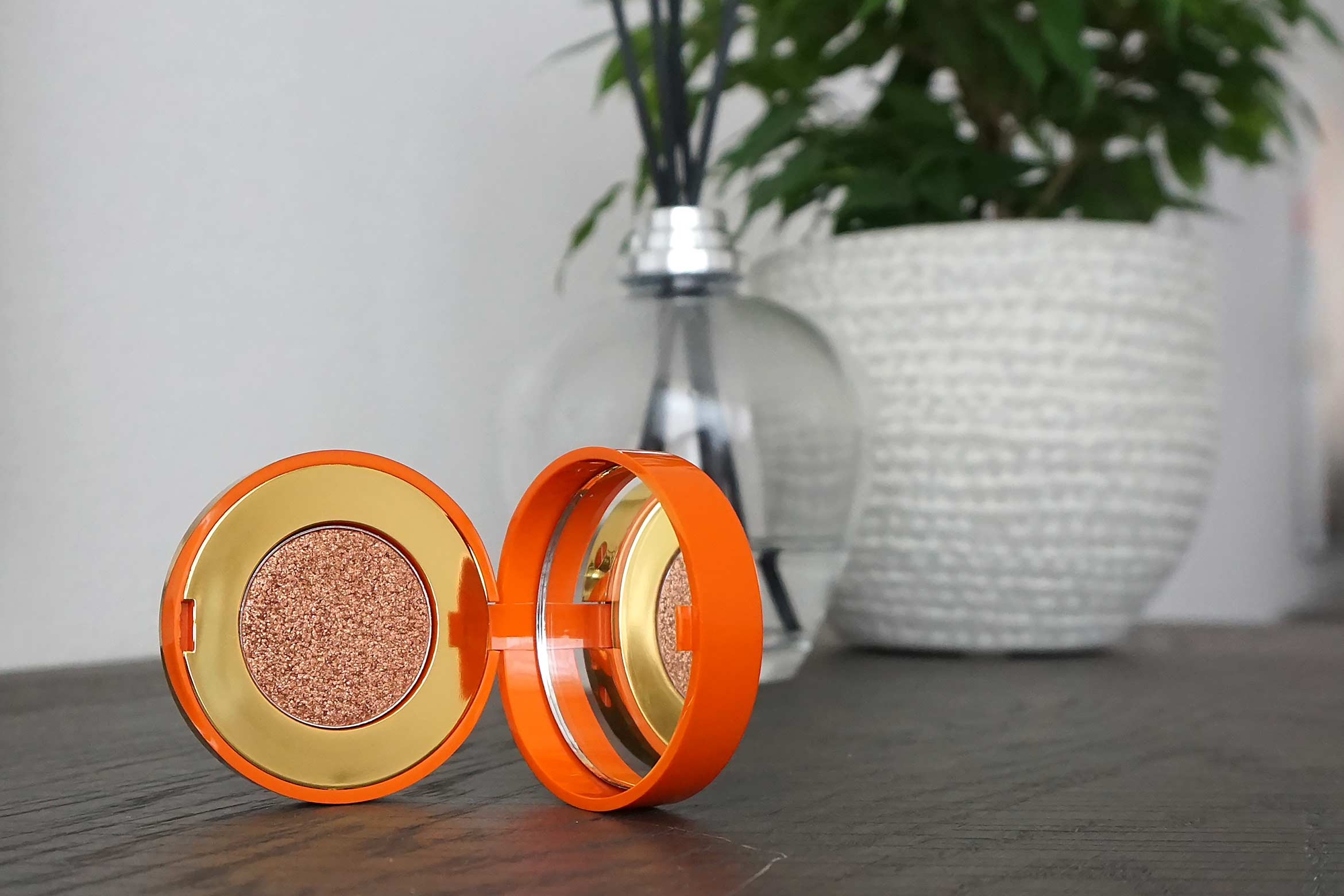 pupa summer escape metal shadow review