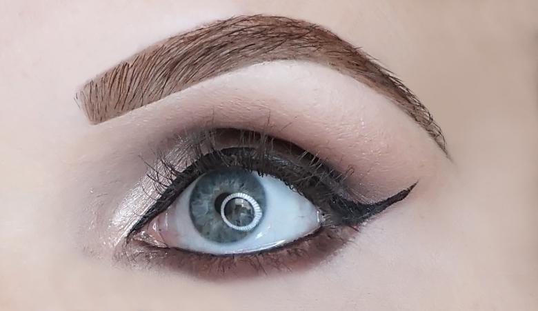 deborah milano 24ore maxi volume mascara review-look-1