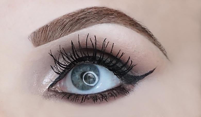 deborah milano 24ore maxi volume mascara review-look-3