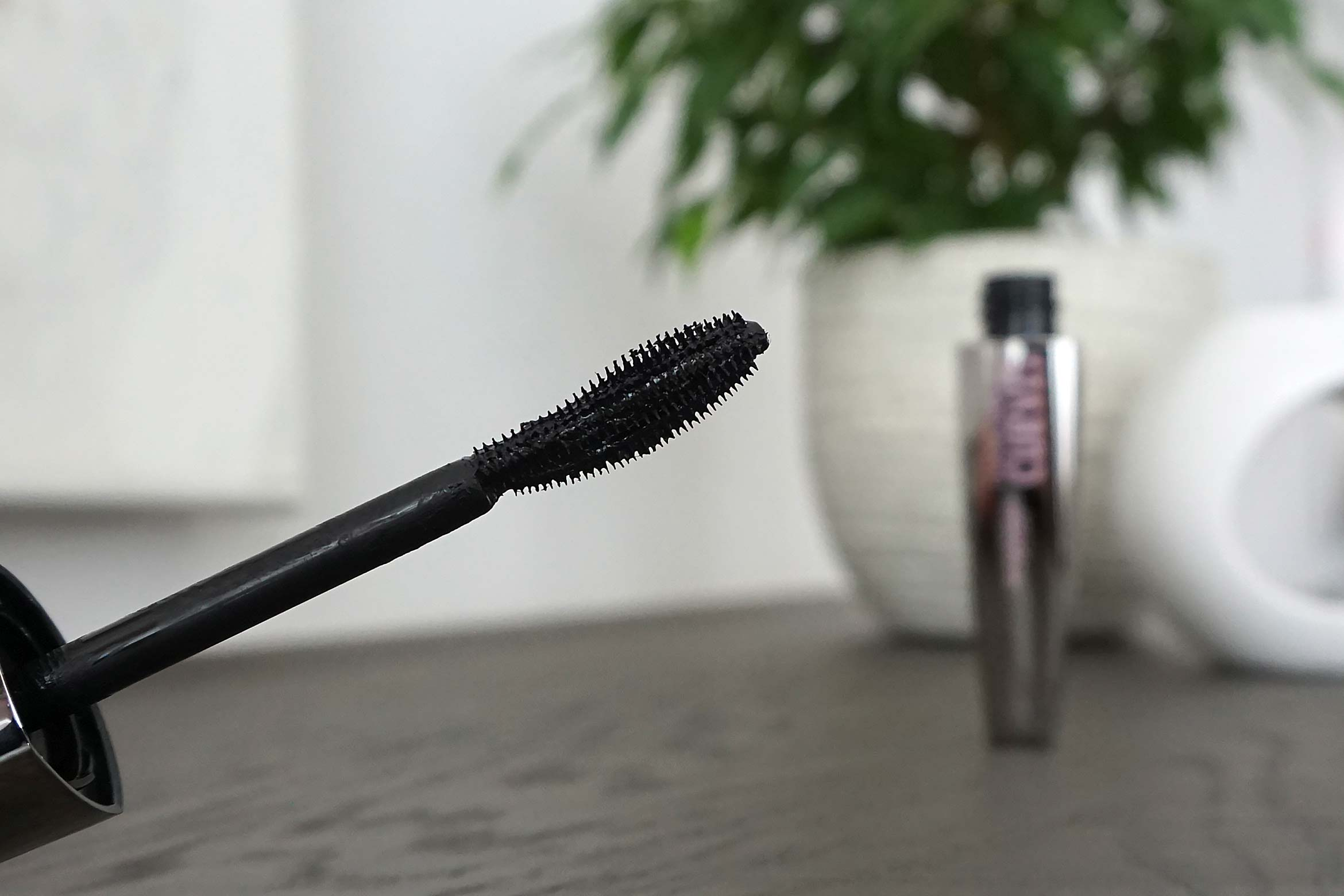 deborah milano dangerous curves mascara review