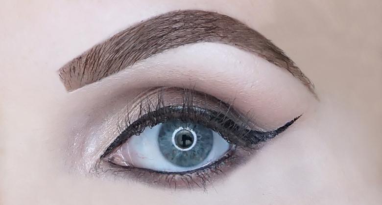 eyeko skinny brush mascara review look-1