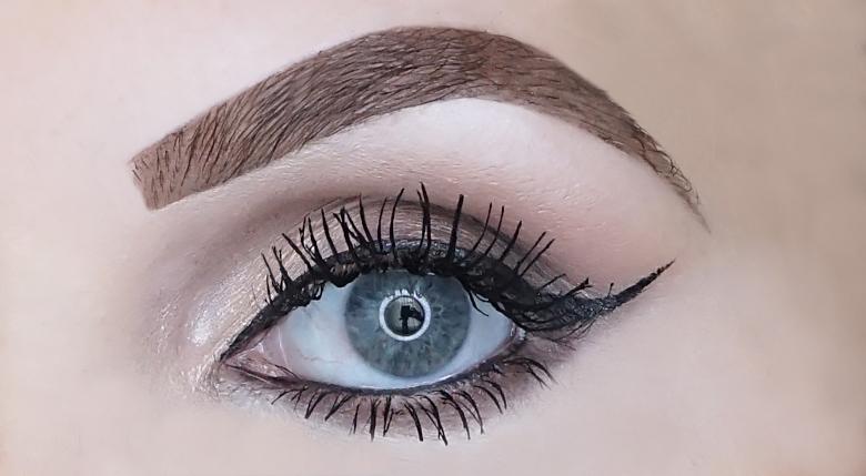 eyeko skinny brush mascara review look-2