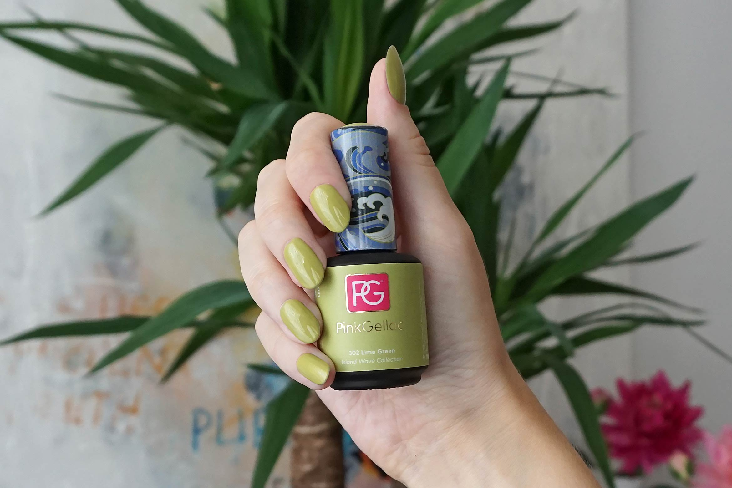 pink gellac 302 lime green swatch