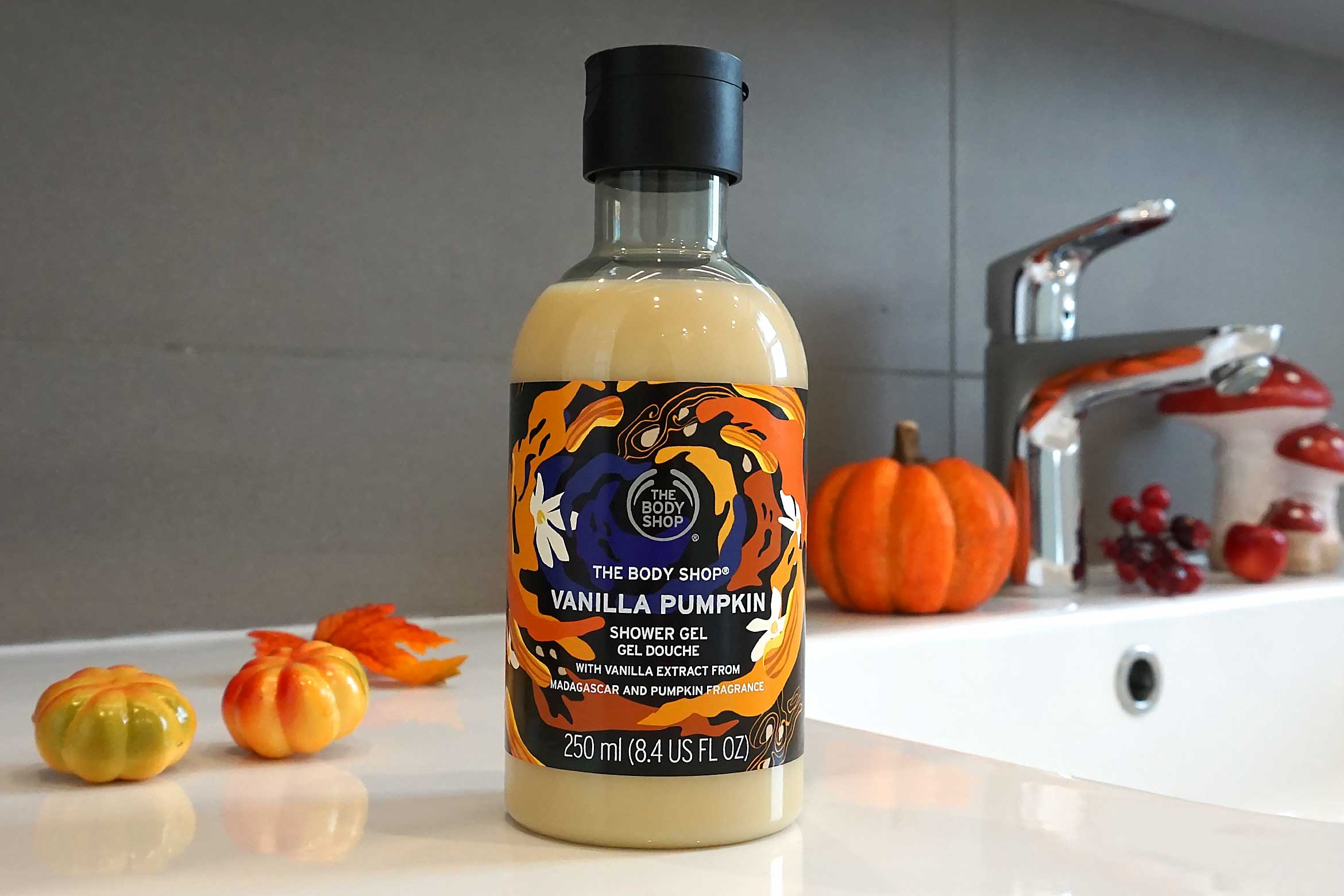 the body shop vanilla pumpkin shower gel review