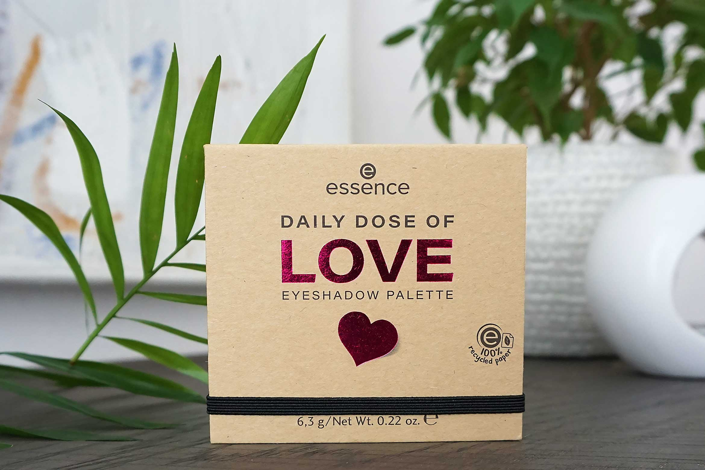 essence daily dose of love eyeshadow palette review