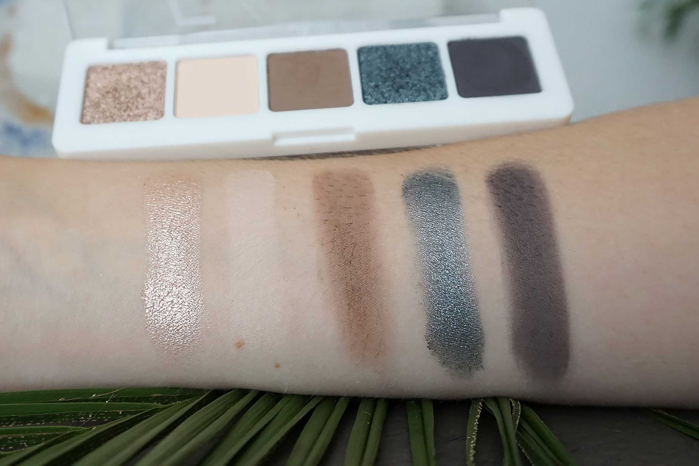 catrice 5 in a box mini eyeshadow palette swatch 040 modern smokey look review