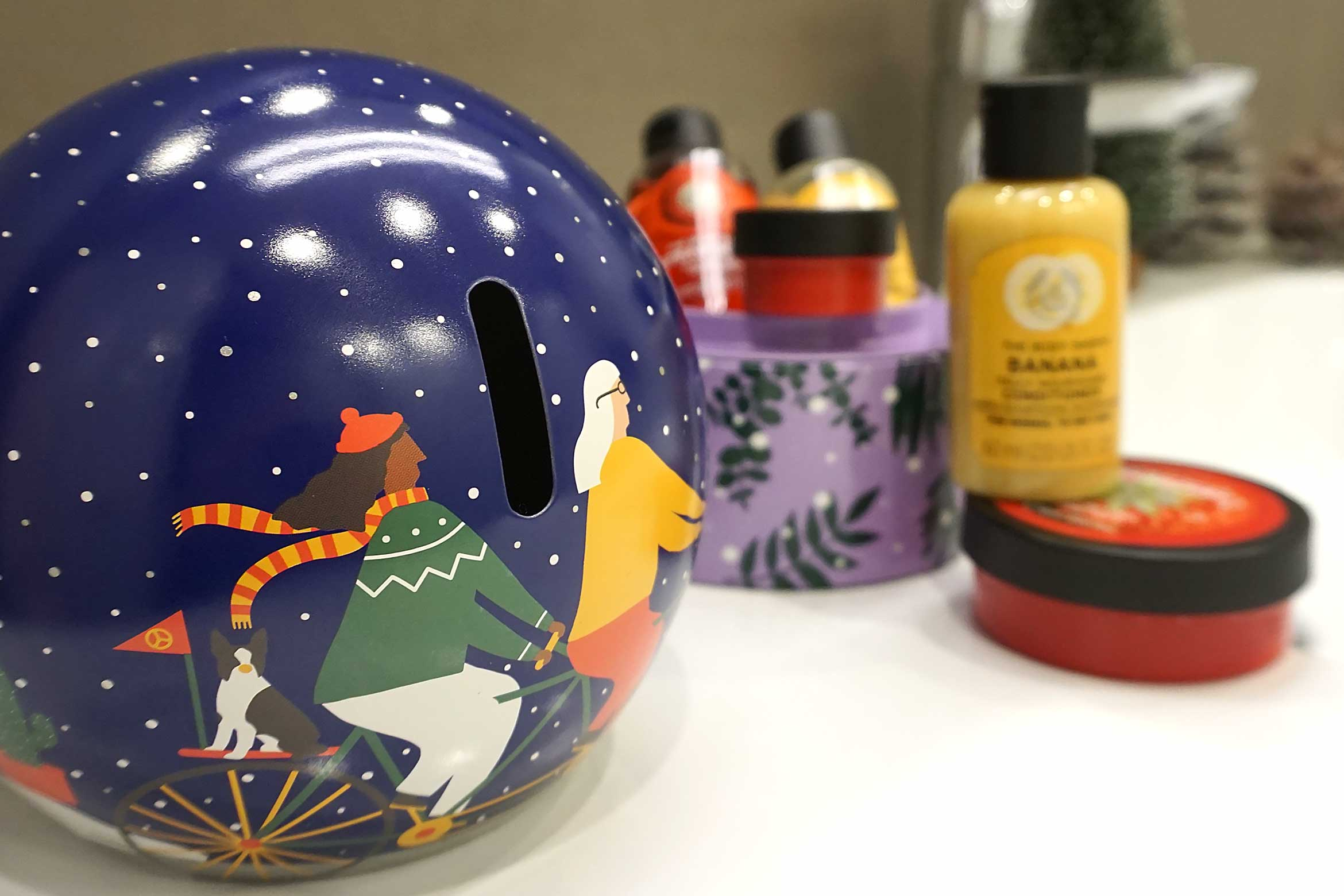 the body shop snow globe gift dome review-1