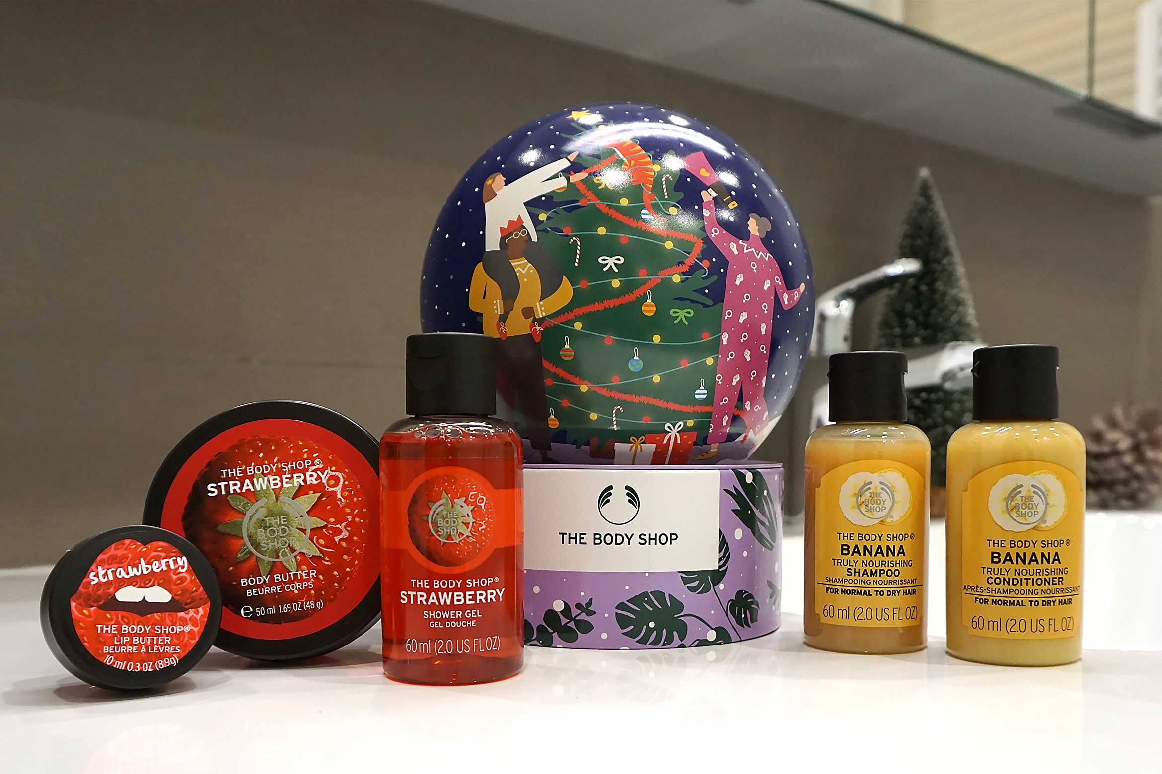 the body shop snow globe gift dome review