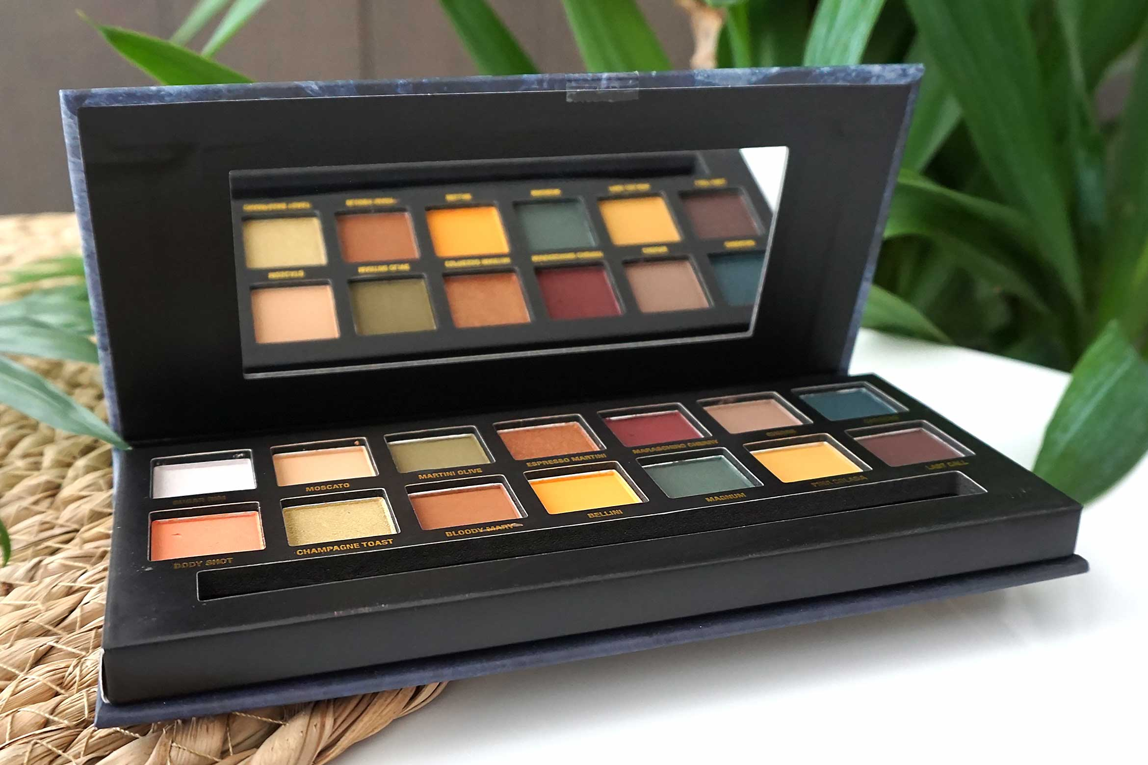 w7 on the rocks eyeshadow palette review-3