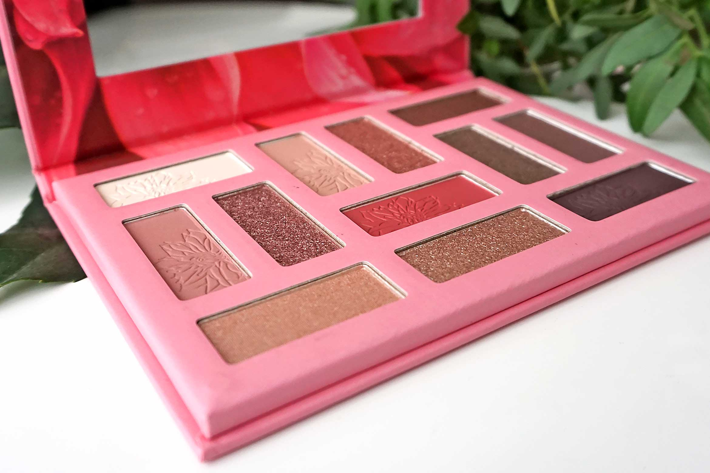 essence don't stop blooming eyeshadow palette review