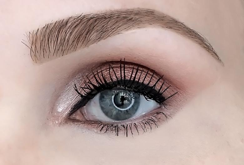 lottie london x laila loves eyeshadow palette look review