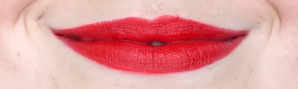 deborah milano il rossetto lipstick swatch 601 cherry review