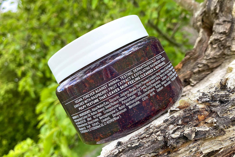 the body shop fresh raspberry exfoliating body scrub ingredienten review