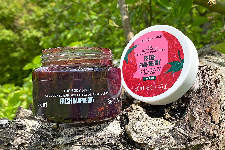 the body shop fresh raspberry exfoliating body scrub review
