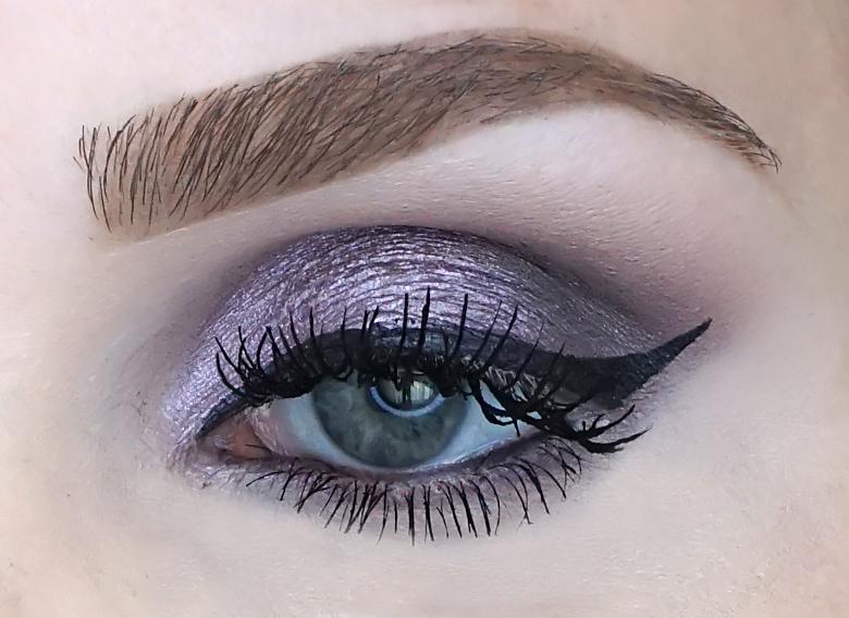 essence i like to mauve it mauve it eyeshadow palette swatch review look