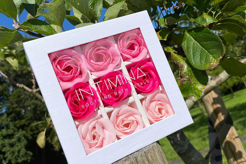 intimina soothing bath petals