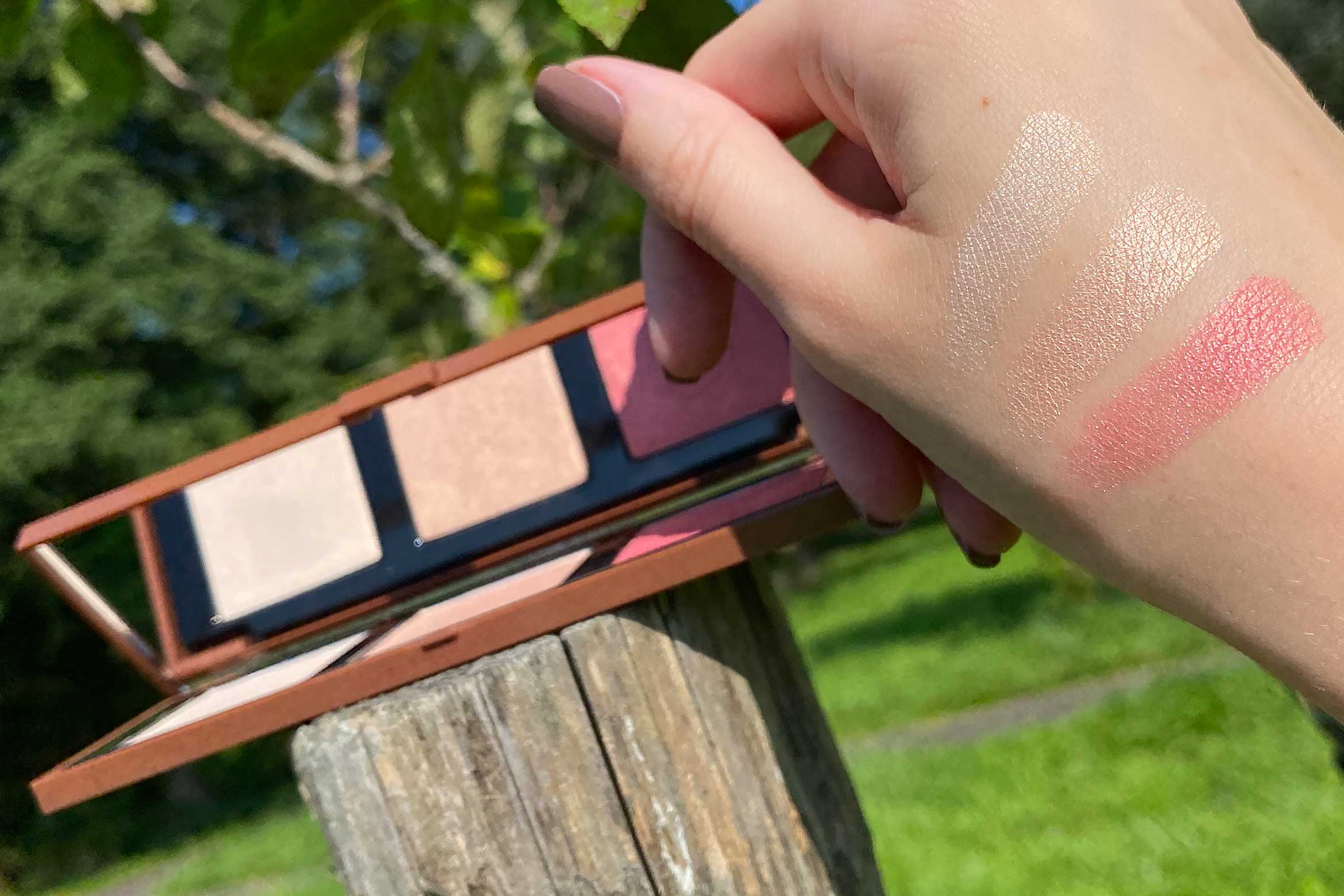 pupa zero calorie chocolate highlighting face palette swatch 001 cherry chocolate no panic there's chocolate