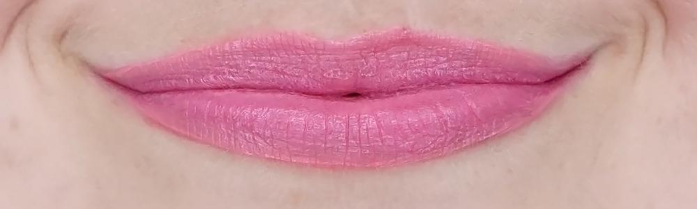the body shop speak up vinyl lip gloss swatch my choice
